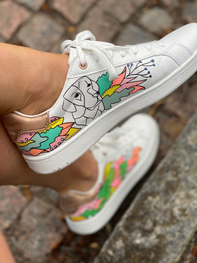 Custom sneakers - Who let tthe dogs out Tintin 2