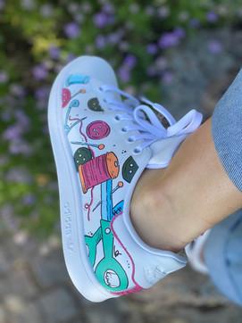 Custom sneakers - Syjuntan vänster utsida