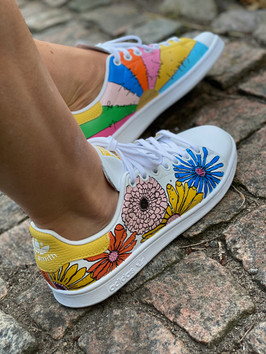 Custom sneakers - Awesomen moodess