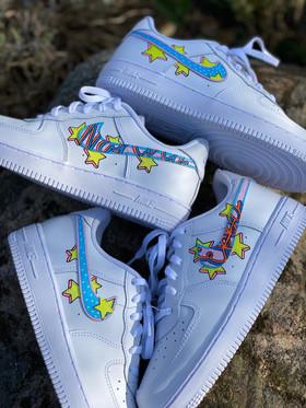 Custom sneakers - Bästisar huller om buller