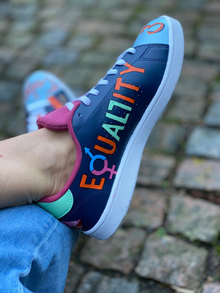 Custom sneakers - Love all Equality