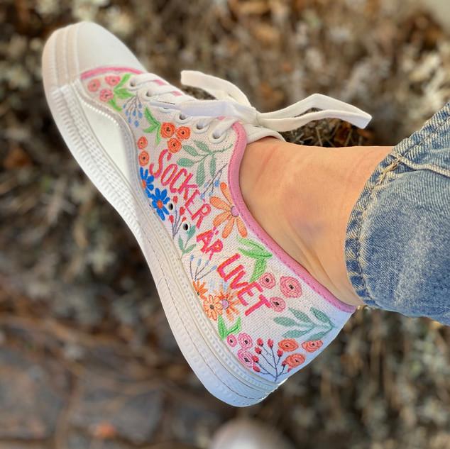 Custom sneakers - Tea Socker är livet