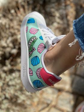 Custom sneakers - Elsas skor krokodil