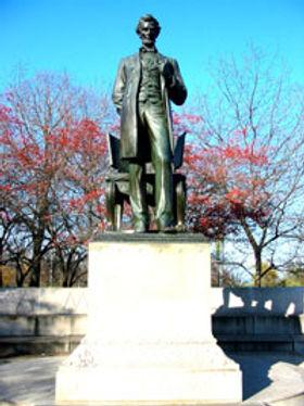 LincolnPk.Statuary.jpg