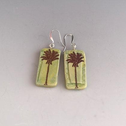 graceful palm lime earrings