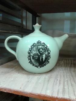 English style teapot