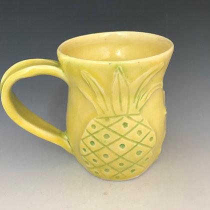 carved pineapple mug