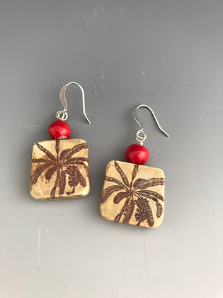 banana palm squares with red beads