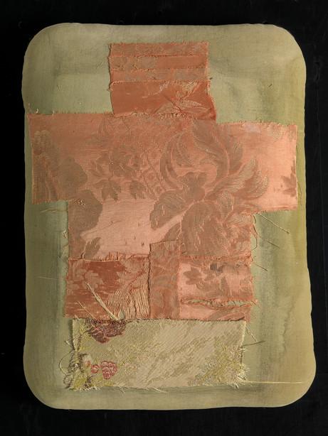Senza titolo, 2014, stoffa olio su tela, cm 40 x 28 x 5