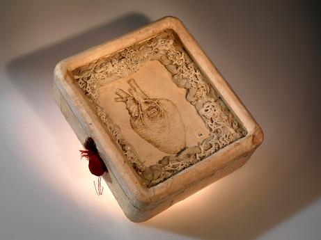 Senza titolo, 2004, legno carta stoffa inchiostro, cm 19,5 x 17,5 x 6