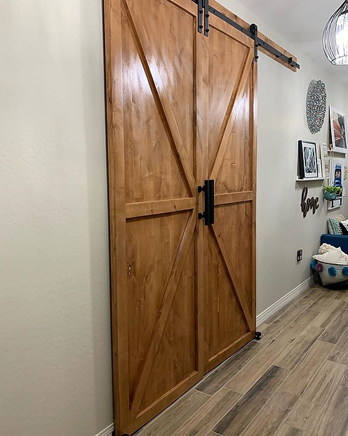 """K"" pattern barn door"
