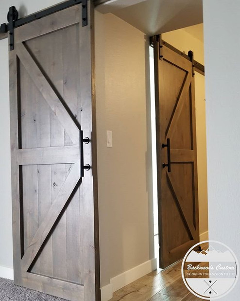 Who loves barn doors?!
