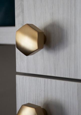 smi kitchen cabinet hardware closeup kno