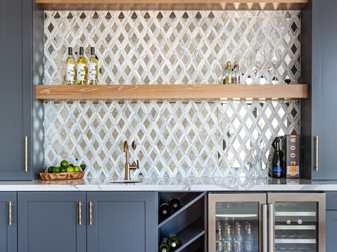 Home bar design by Temecula, California based staging and interior designer Laura Lochrin Interiors.
