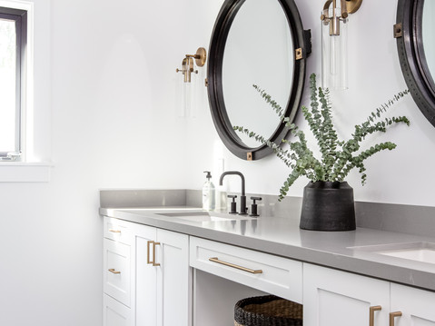 Modern black and white bathroom design by Temecula, California based staging and interior designer Laura Lochrin Interiors.
