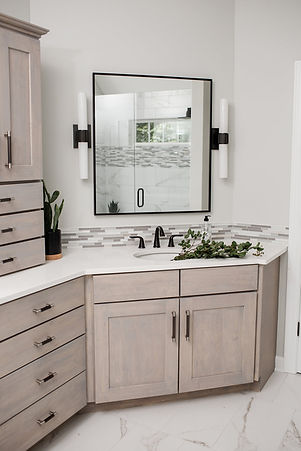 master bathroom (6).jpg