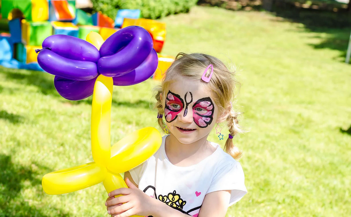 Face Painting and Balloons Twisting