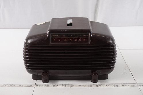 Trav-ler Tube Radio Model 250 M- W