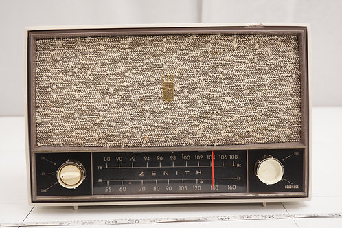 1950s Zenith Tube Radio Model C724 G - Asis