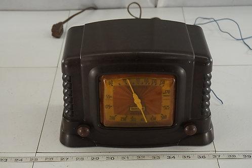 1940s Truetone Model D2610 Tube Radio - Works