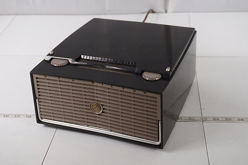 1950s R C A Victor 45rpm Record Player - Radio