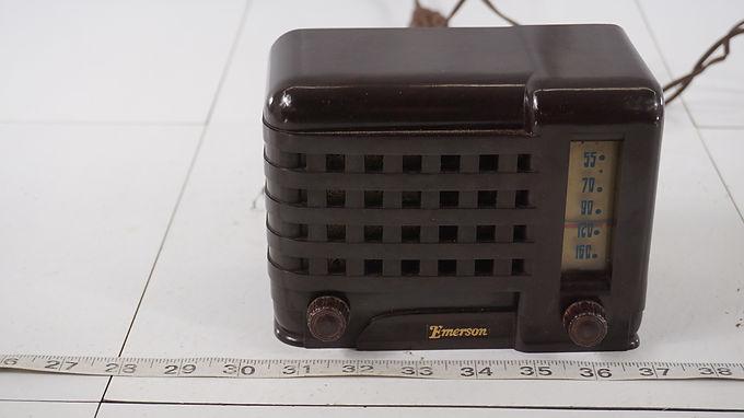 1940s Emerson Midget Tube Radio Model Emersonette 540 A - Works