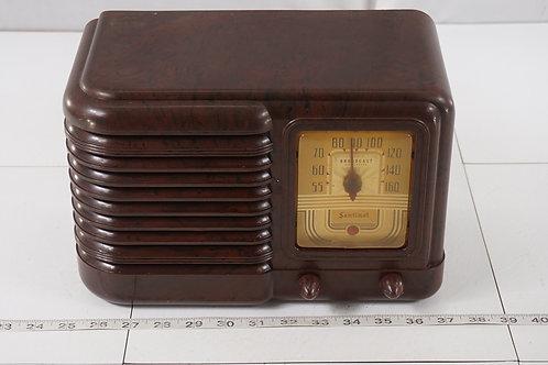 1946 Broadcast Sentinel Tube Radio Model 275 W - Asis