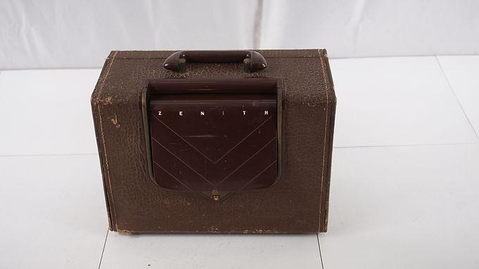 1951 Zenith Tube Radio - Standard Broadcast - Model G503 - A