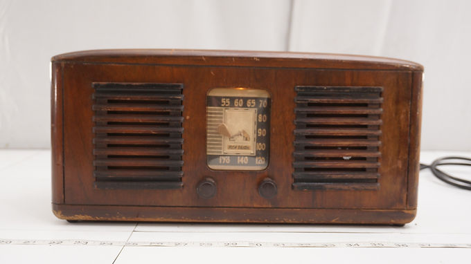1941 R C A Victor Tube Radio Model 55 X - Works And No Cable