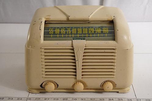 1946 Sonora Tube Radio Model R Z L U-222 - Works