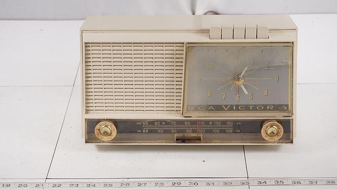 1961 R C A Victor Am- Fm Radio Alarm Clock Model 1- R C-31 -