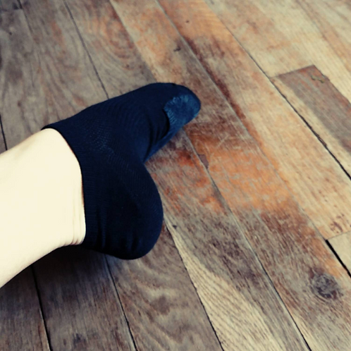 Ankle-high socks for dancers