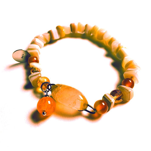 Natural Shell and Agate Center Stone Bracelet