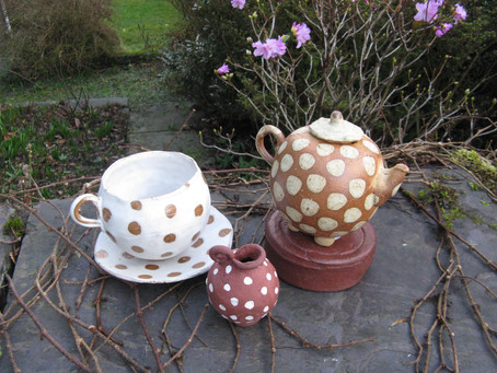 Round Welsh Ladies and Teapots!