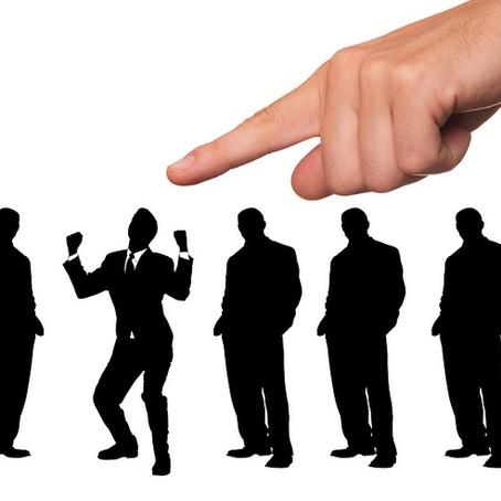 Hoe ga ik om met personeel als ik een bedrijf uit faillissement koop?