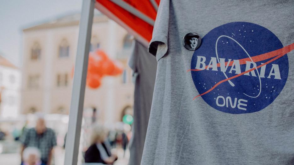 Das Shirt zur bayerischen Mondmission