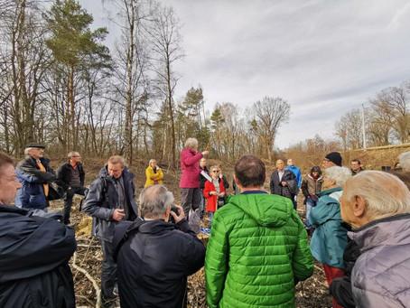 Die Baumretterin aus Geisenfeld: Ortsbegehung im Oberstimmer Schacht