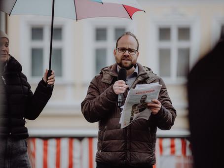 Bürgerwind, Zukunftspolitik und Fortschrittsbremser: Herker & Herschmann live vom Hauptplatz