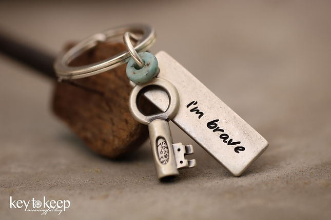 מחזיק מפתחות עם ברכה - I'm brave + אבן
