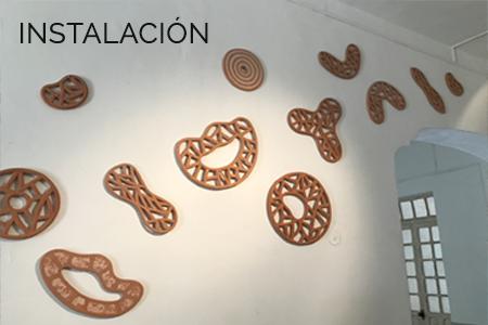 Instalación de arte en cerámica