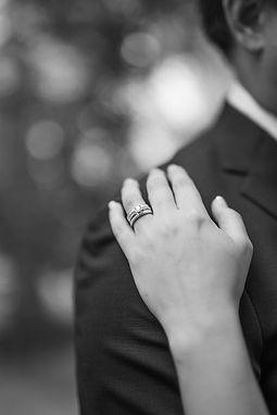 bröllopsfotograf växjö, vigselring, bröllopsfotografering, bröllopsfotograf småland, bröllopsfotograf alvesta, bröllopsfotograf åseda, bröllopsfotograf tingsryd, bröllopsfotograf lessebo, bröllopsfotograf emmaboda