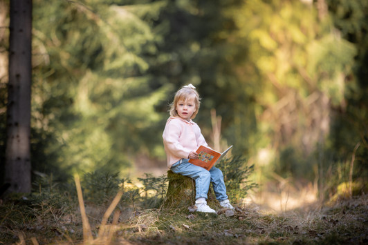 barnfotograf växjö, familjefotograf växjö, familjefotograf kalmar, barnfotograf, fotograf erika gülich, fotograf hovmantorp, fotograf växjö, fotograf småland, läsa för barn