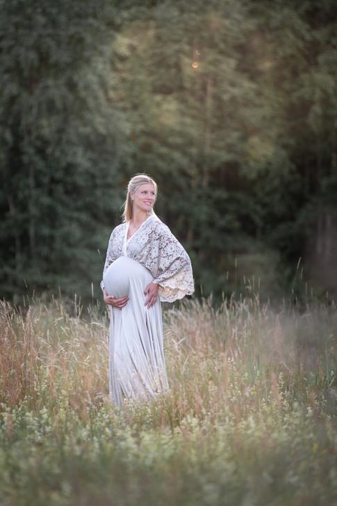 Gravidfotograf Växjö, gravidfotograf, gravidkläder, gravidklänning, fotograf växjö, gravidfotograf småland, fotograf tingsryd, fotograf kalmar, barnfotograf växjö
