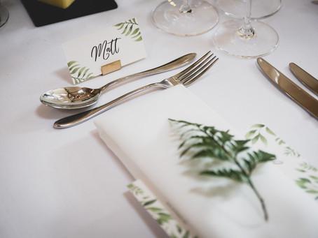 Jenny & Matts stylish botanical wedding