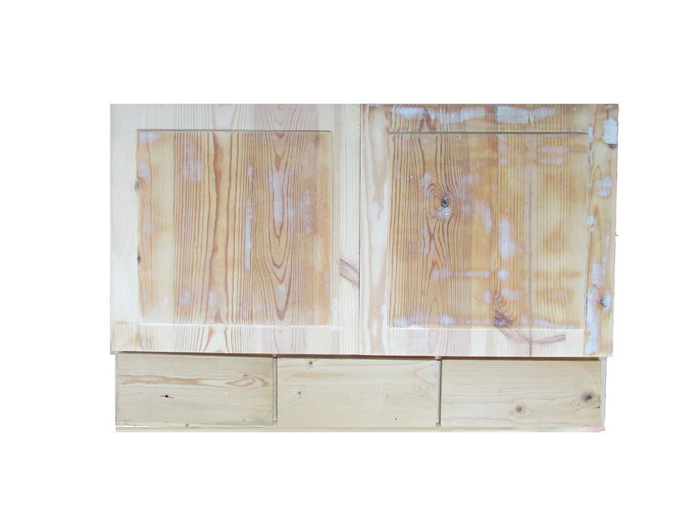puukaappi, lääkekaappi, talonpoikaishuonekalut, talonpoikaisvärit, vanha kaappi, vanha lääkekaappi, peiliovet, vanha huonekalu, vanhat ovet