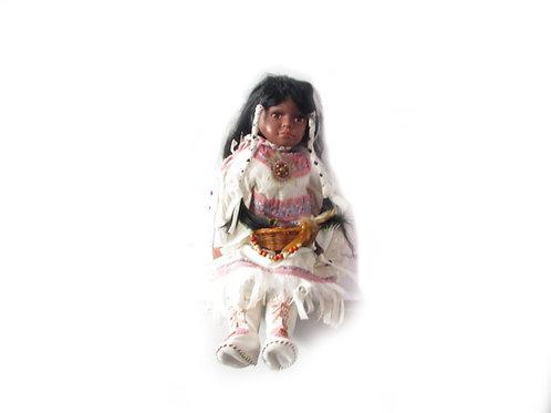 Nukke, koristenukke, keräilynukke, intiaaninukke