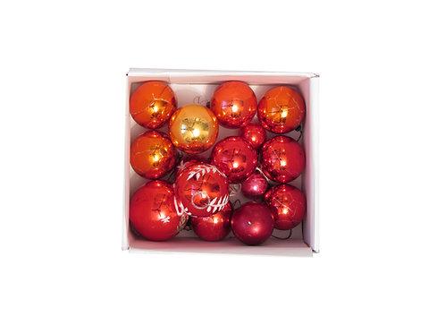 Punaiset laipallot, antiikkia. Joulukuusen lasipallot