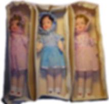 Vanhoja nukkeja alkuperäisessä pakkauksessa
