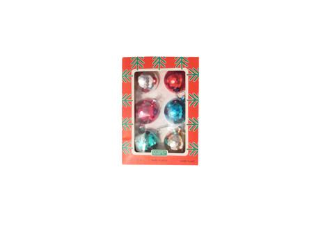 Vanhat joulukoristeet - joulukuusen koristepallot