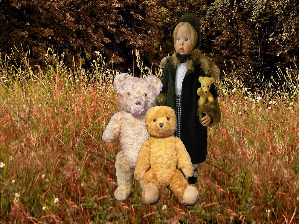 Vanha nalle, reborn nukke, vintage lelu, antiikkinalle, retro lelu, lelumuseo, Nukkemuseo, nallen turkki, sisustusnukke, nuken hattu, nuken vaatteet, nallen silmät, syksy, niitty